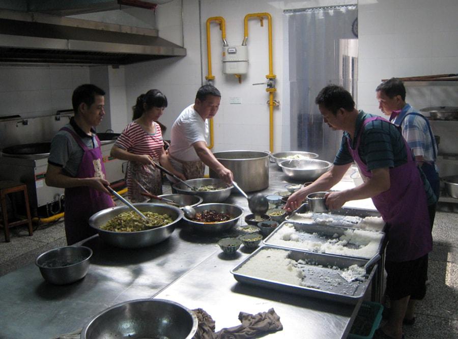 Elderly Home cooks-min