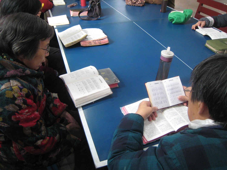 Elderly ladies - Bible study-min