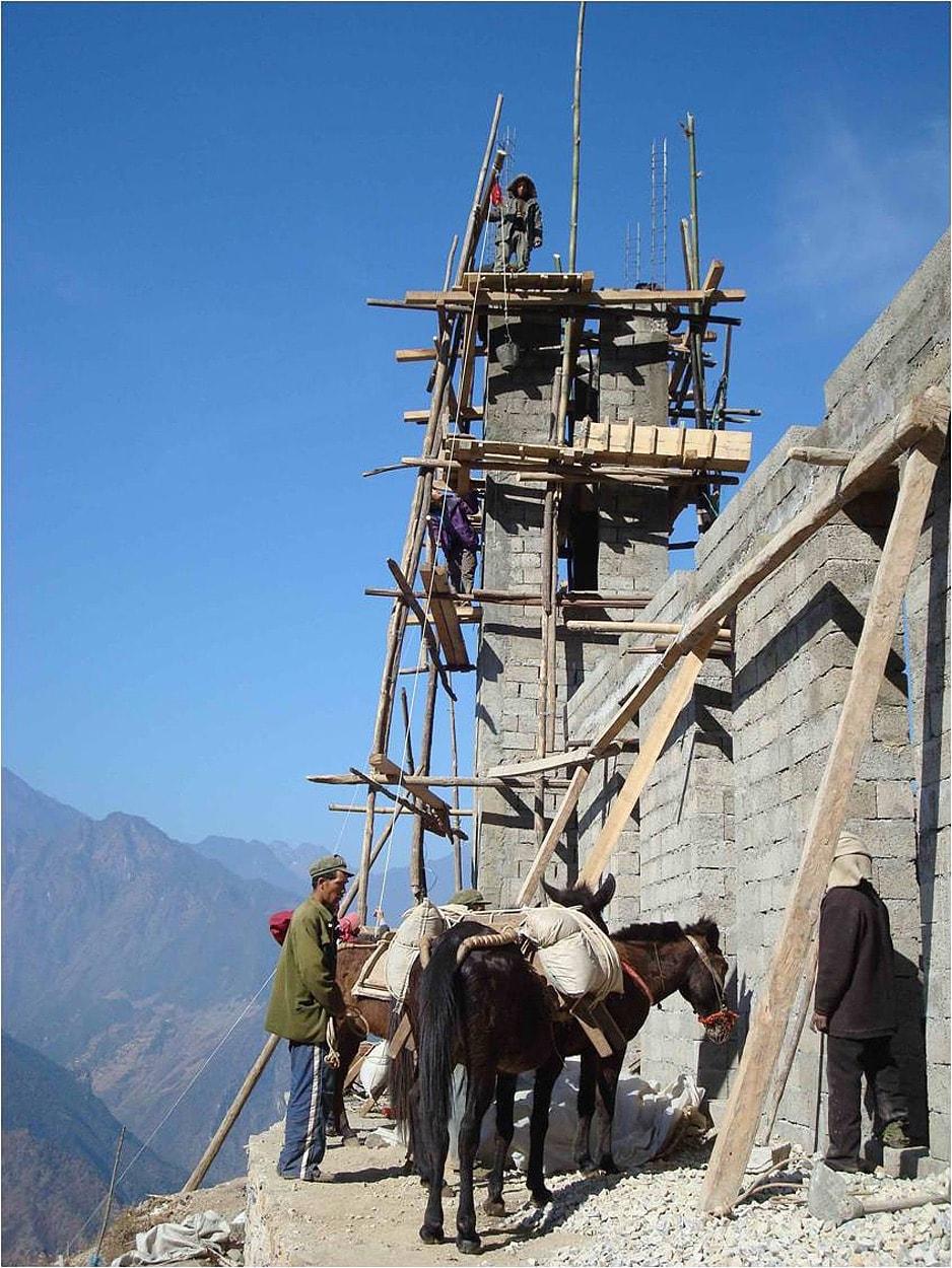 Gaoshan - donkey & builders-min