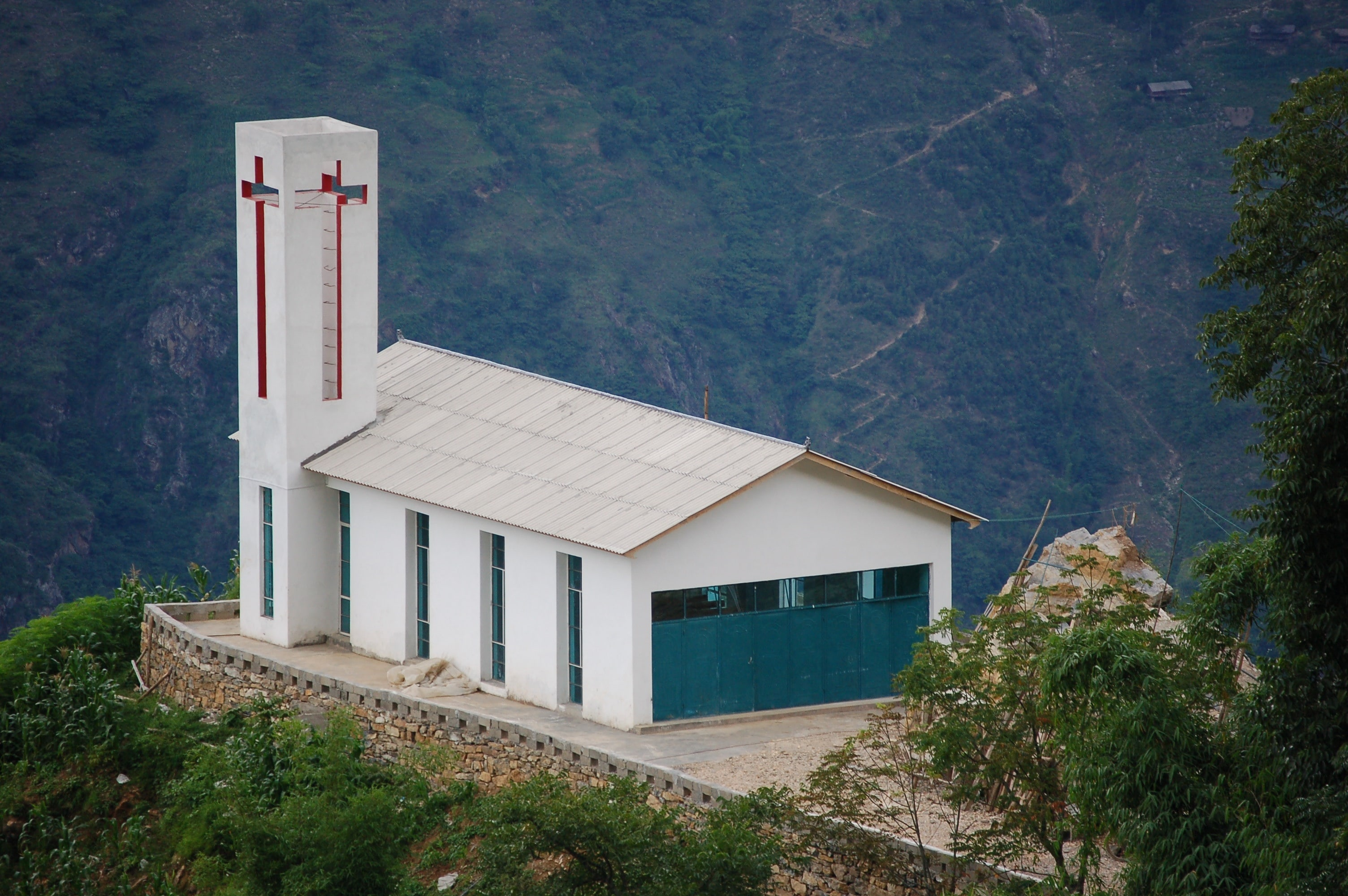 Nujiang Church - Yunnan - Gaoshan Mtn top-min