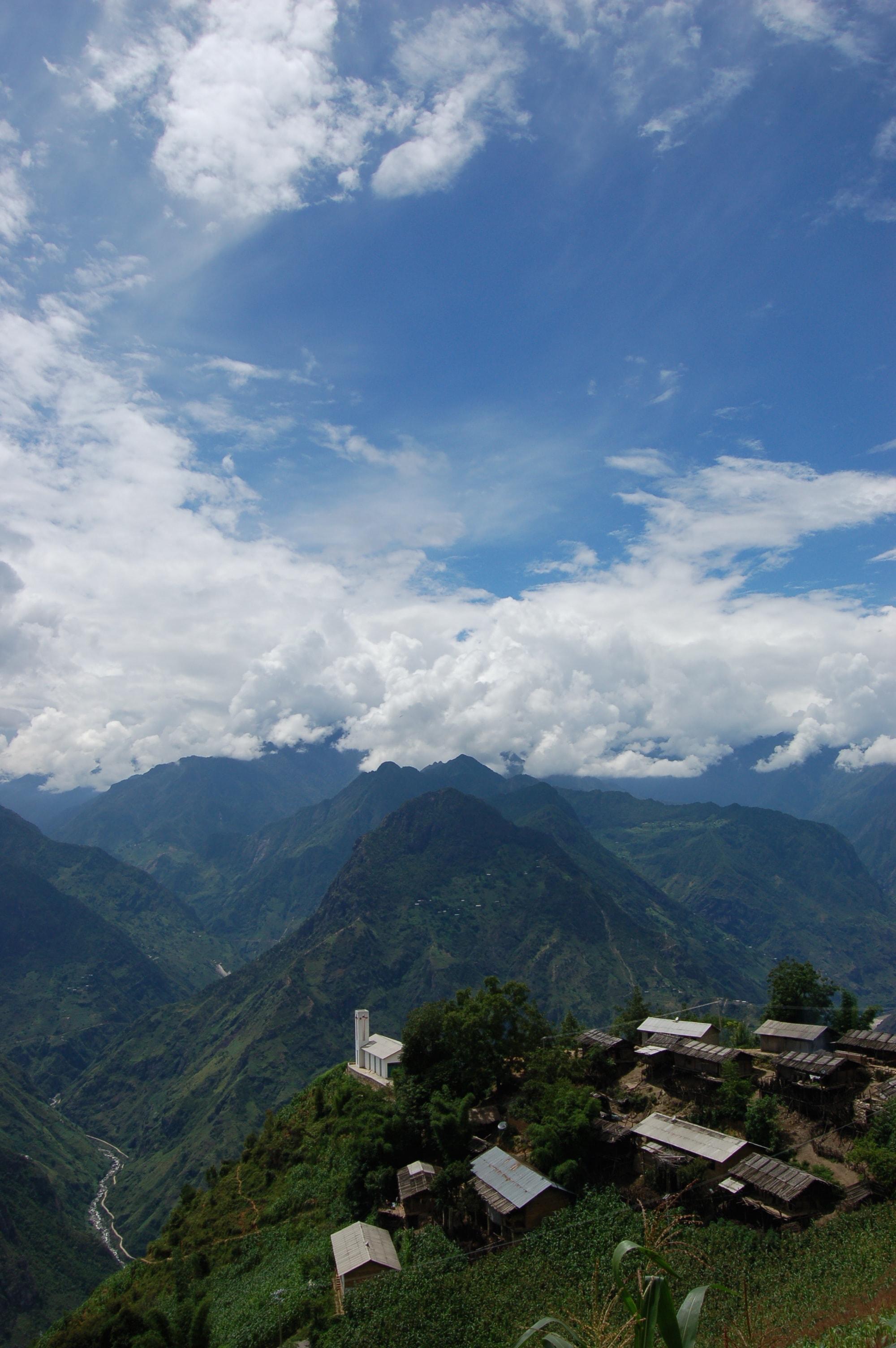 Nujiang Church - Yunnan - Gaoshan Mtns-min