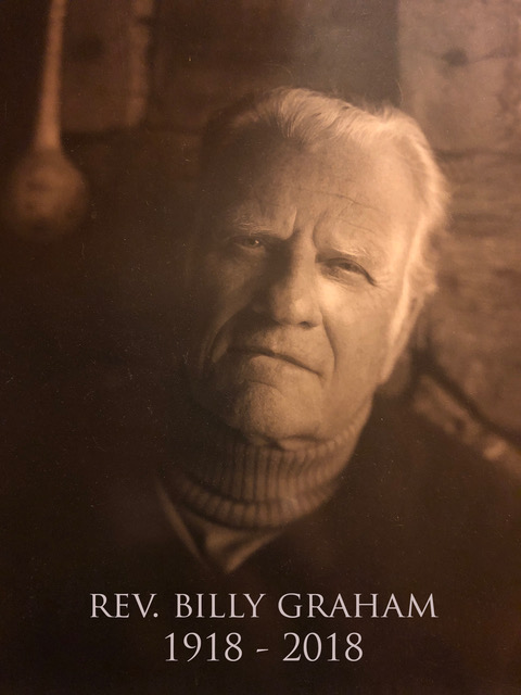 Billy-Graham-sepia-portrait